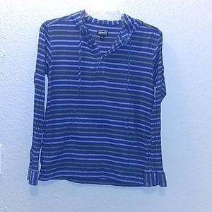 Patagonia Pull over hooded Shirt Size Small